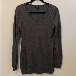 Gray Gap maternity sweater size M